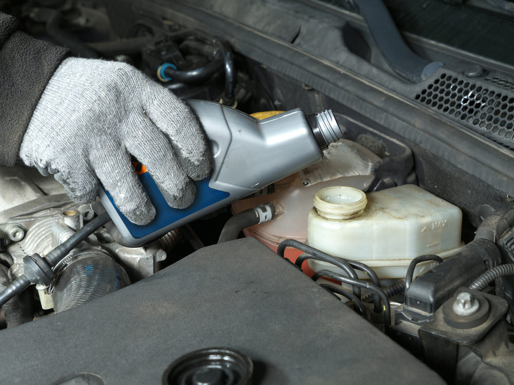 Brake fluid changing by mechanic